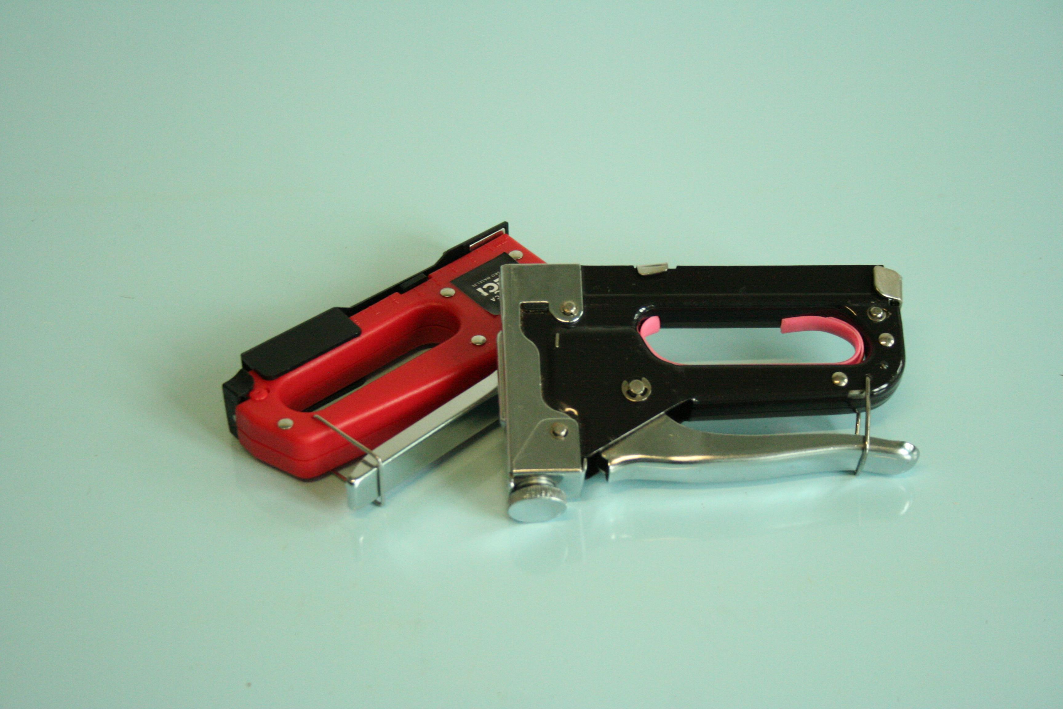 Pištola za tapeciranje